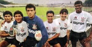 Marcelo Djian é o 2ª da direita para a esquerda